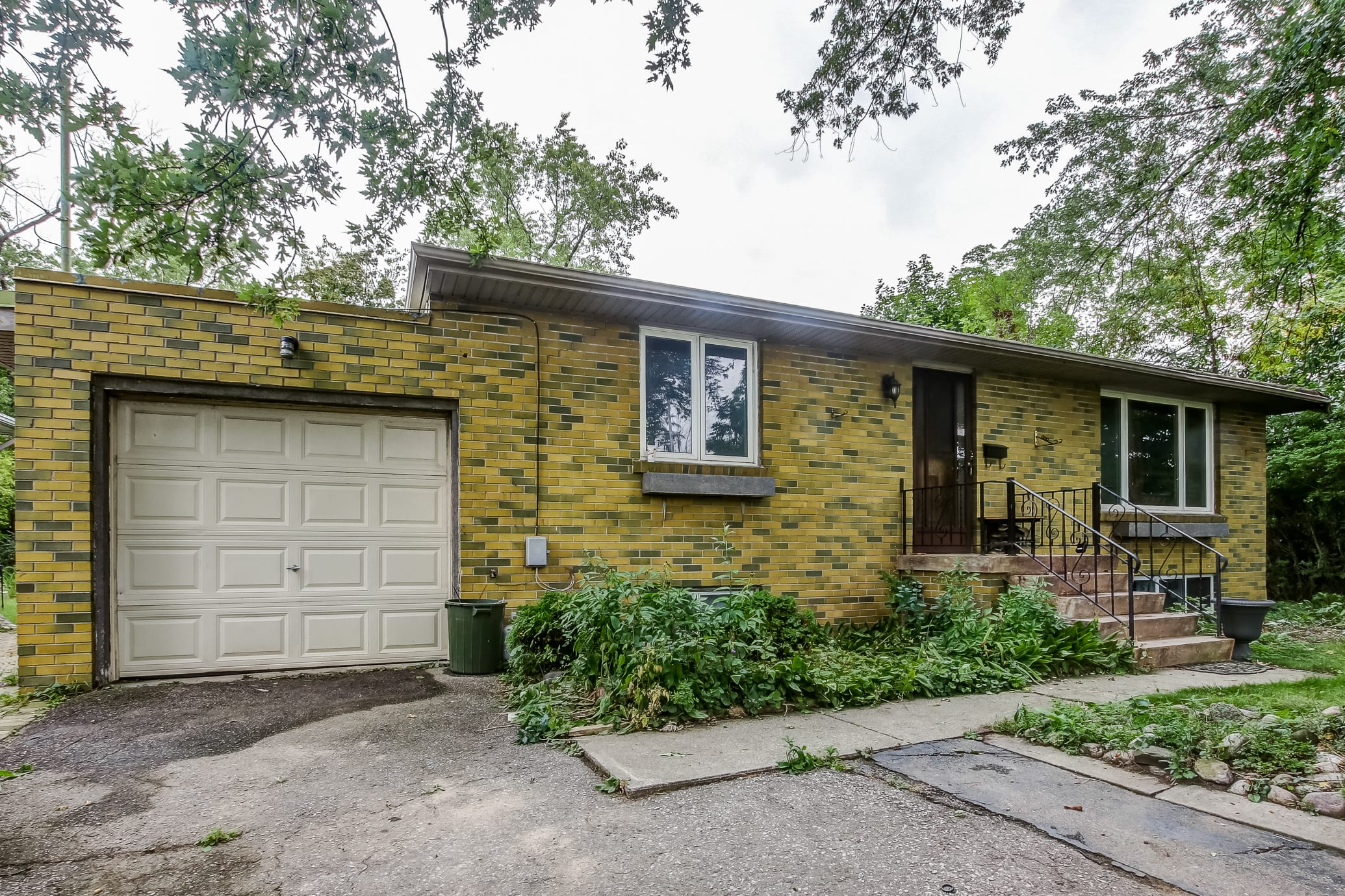 927 Southdown Rd, Mississauga